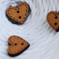Пуговица деревянная, сердце 1, цвет дуб